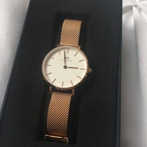 Daniel Wellington Petite Melrose watch